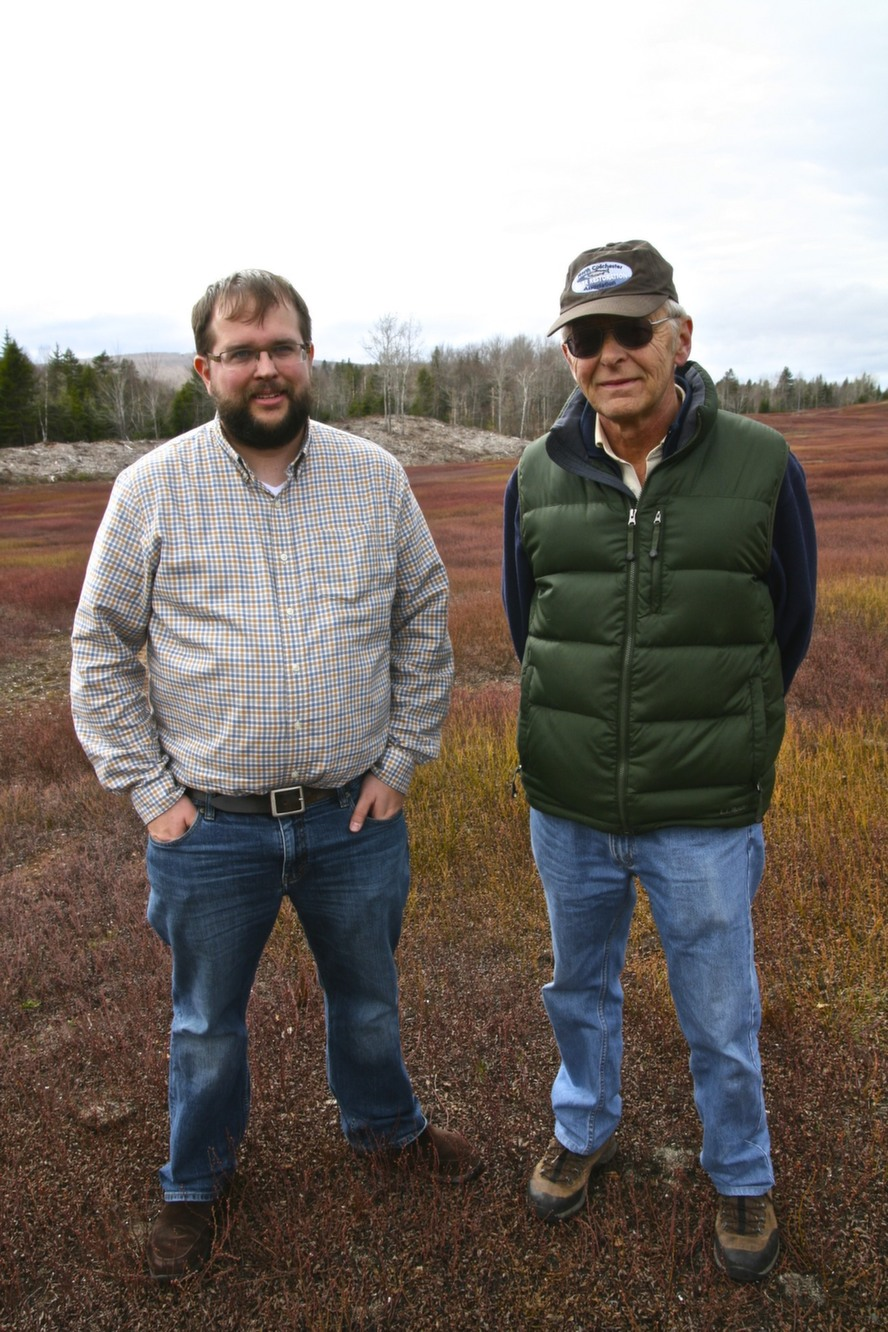 img_5angus_bonnyman_third-generation_wild_blueberry_producer_and_his_father_64-year-old_allan_c_bonnyman_second_generation_grower