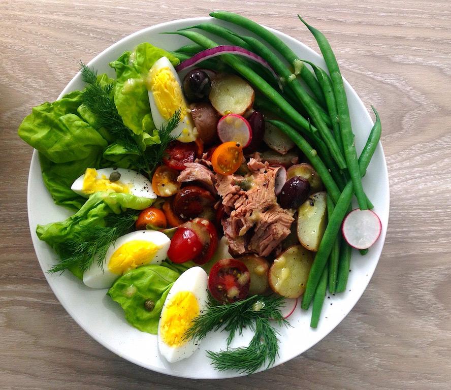 Salad Niçoise with Dijon Lemon Dressing: 1 Dish, 2 Ways
