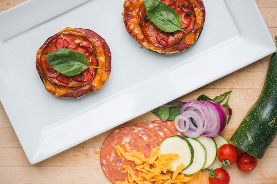 http://media.foodnetwork.ca/files/2015/04/zucchini-pepperoni-pizza-recipe.jpg