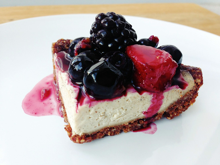 vanilla-cheesecake-with-chocolate-almond-crust