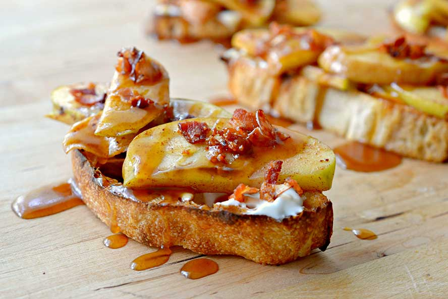 Toast-trend-Ciabatta-with-Apples-Bacon-and-Salted-Caramel-Recipe