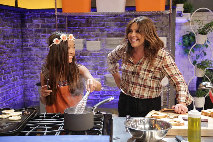 Food network celebrity cook off contestants on biggest
