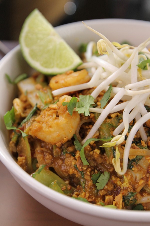 Thai Prawn Ginger Noodles Bbc Good Food Middle East Download Ios