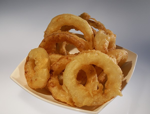 Beer-Battered Onion Rings With Cajun Dipping Sauce Recipe — Dishmaps