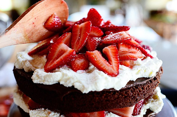 18 awesome things you can make with nutella food network for What can you make with strawberries