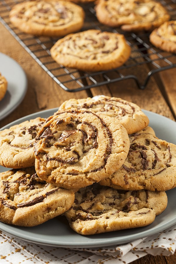 50 desserts for peanut butter lovers food network canada for Food network 50 bar cookie recipes