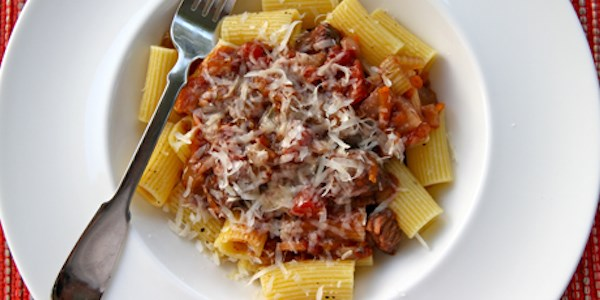 Slow-Cooker Beef Ragout with Rigatoni