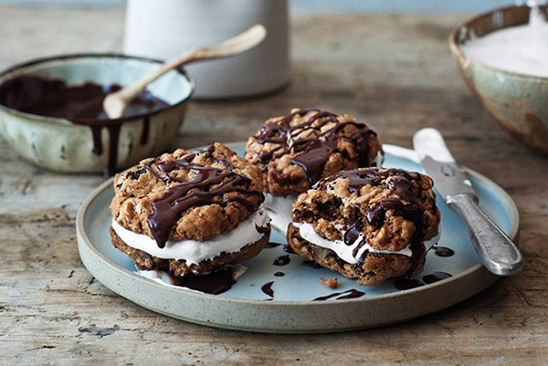 Chocolate Oatmeal Moon Pies