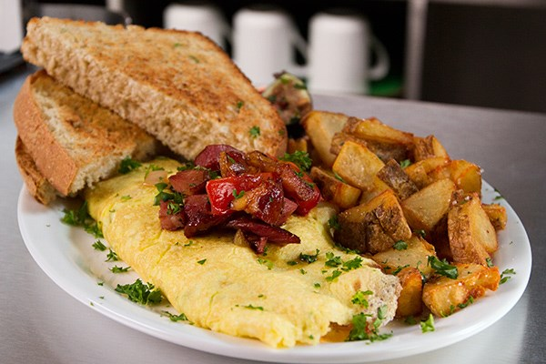 Mushroom And Fontina Omelet Recipe — Dishmaps