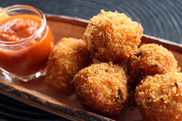 Mushroom and Goat Cheese Arancini with Tomato Dipping Sauce