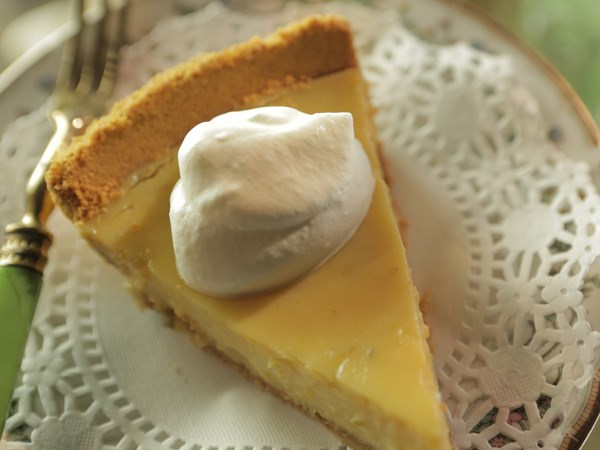 Get the recipe for Damaris Phillips' Coconut-Tequila Key Lime Pie .