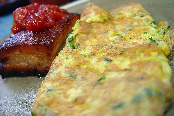 Cheddar Thyme and Chive Omelette