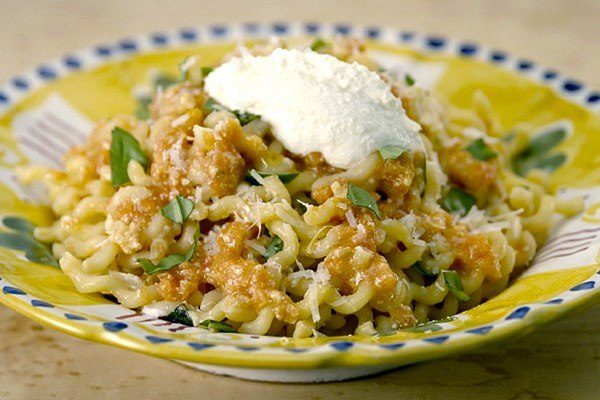 Tomatoes: Fusilli with Fresh Pomodoro