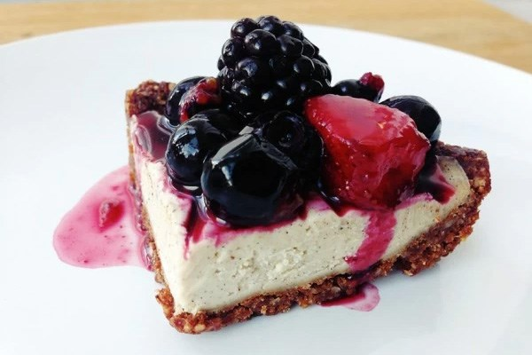Raw Vanilla Cheesecake with Chocolate Almond Crust