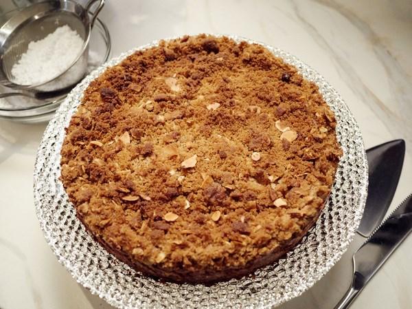 Chocolate-Almond Cheesecake