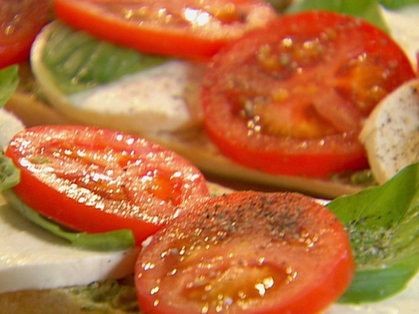 Open-Faced Tomato, Mozzarella and Basil Sandwich