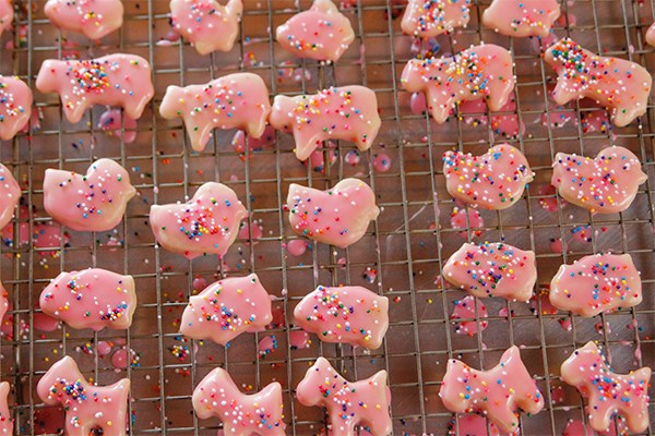 30 Impressive And Easy Bake Sale Recipes Food Network