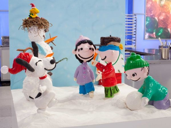 10 Decked Out Displays from Cake Wars: Christmas   Food Network Canada