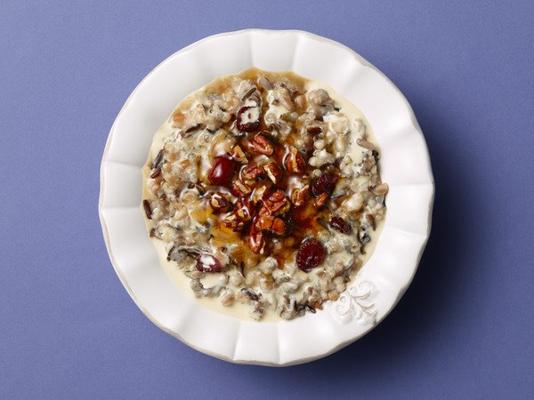 Slow Cooker Healthy Cranberry Pecan Oatmeal Porridge