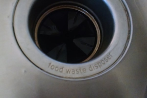 how to clean garbage disposal with ice