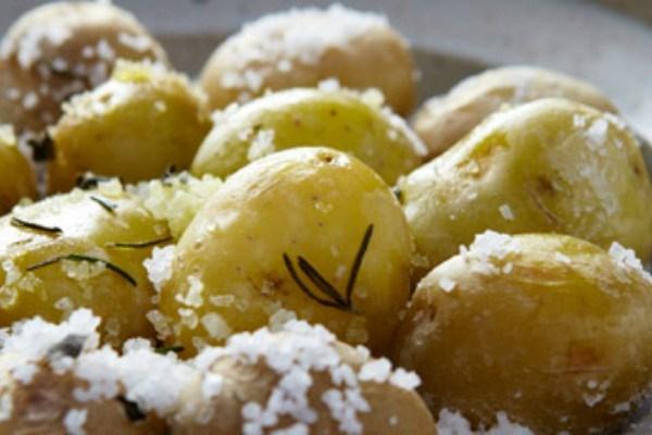 Potatoes Roasted in Salt