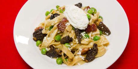 Tagliatelle with morels peas and pancetta recipes food for Morel mushroom recipes food network