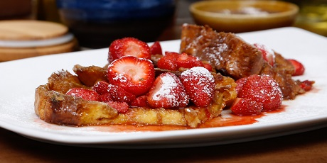 Creme Brulee French Toast with Drunken Strawberries ...
