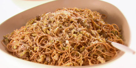 Whole Grain Spaghetti With Brussels Sprouts and Mushrooms