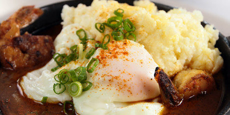 BBQ_Shrimp_and_Grits_with_Poached_Eggs_001.jpg
