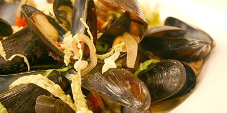 Beer Steamed Mussels Recipes | Food Network Canada