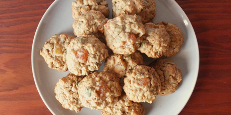 Chewy Oatmeal Cookies with Apricots and Pumpkin Seeds