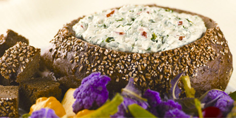 Classic Spinach Dip With Greek Yogurt
