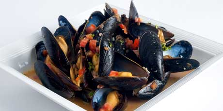 Mussels in Green Curry Broth