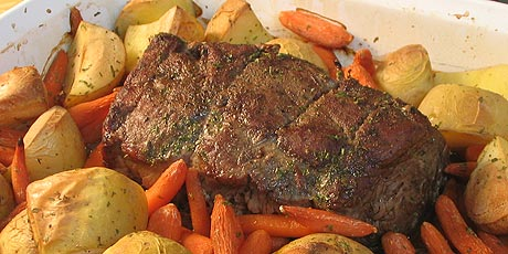Quick roast beef with roasted potatoes and carrots recipes food quick roast beef with roasted potatoes and carrots forumfinder