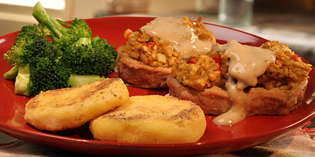 Right-Side-Up Pork Chops with Potato Patties and Broccoli