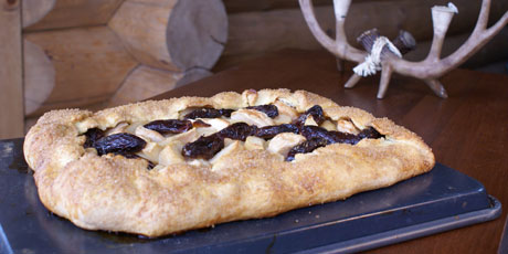 Rustic Apple, Pear and Date Pie
