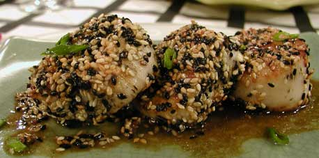 Sesame-Crusted Scallops with Black Bean Sauce