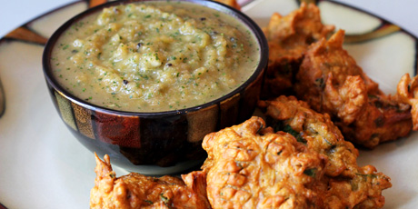 Spinach and Onion Pakoras with Pear and Mint Chutney
