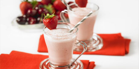 Strawberry Iced Tea Latte Recipes | Food Network Canada