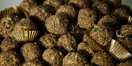 Trufas De Chocolate Negro (Dark Chocolate Truffles)