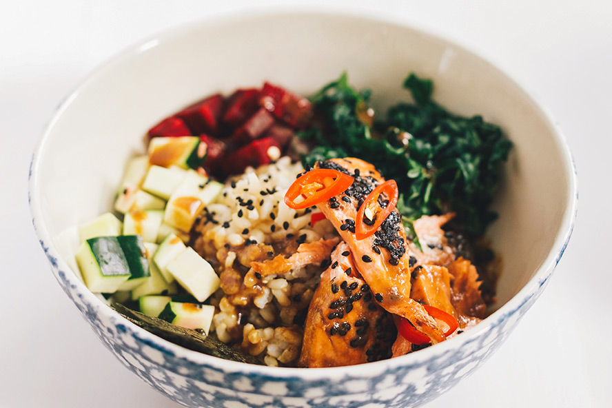 how to make your own poke bowls at home