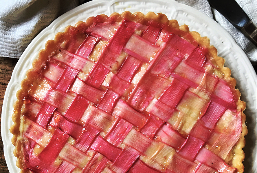 lattice-rhubarb-tart