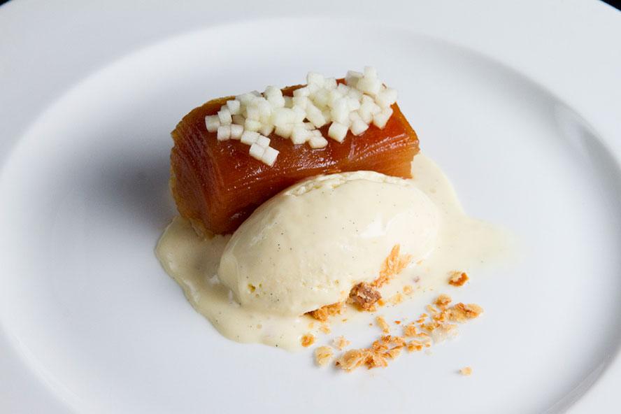 Top-Chef-Canada-Dustys-Apple-Tarte-Tatin-Finale