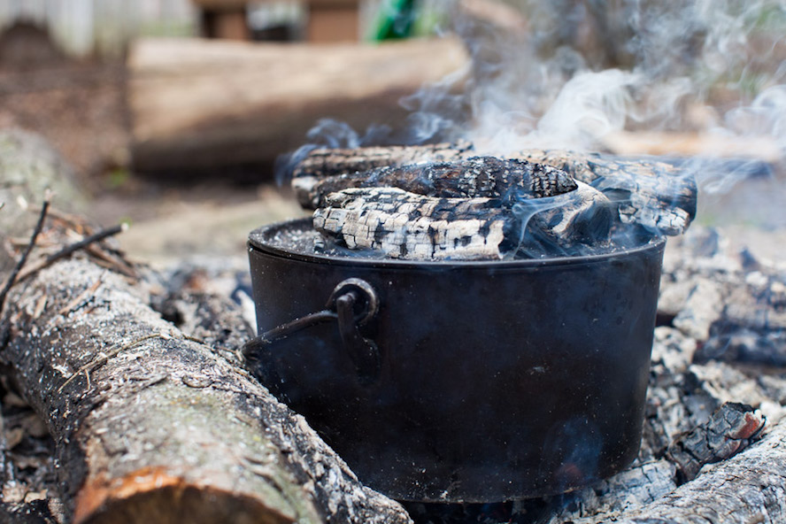 Campfire Cooking dutch oven