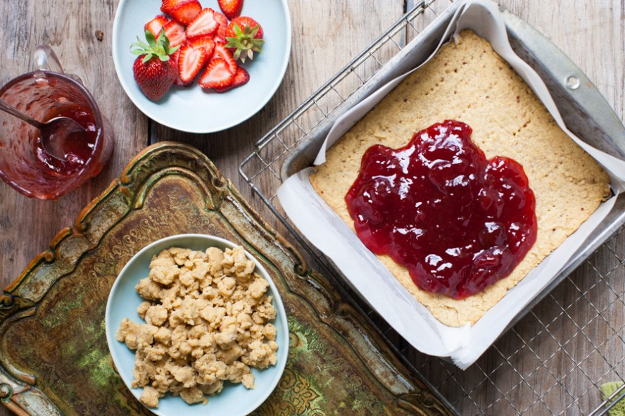 Strawberry Shortbread Jammy Bars4