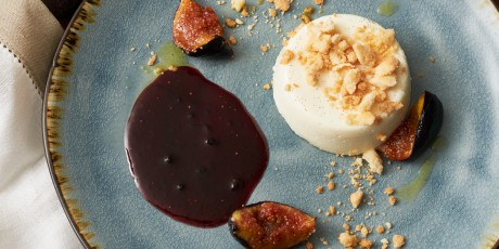 Vanilla Panna Cotta with Honey Streusel and Figs