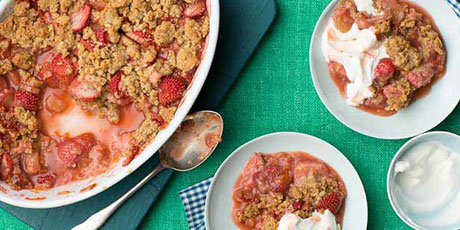 Anne Burrell's Strawberry Rhubarb Crisp