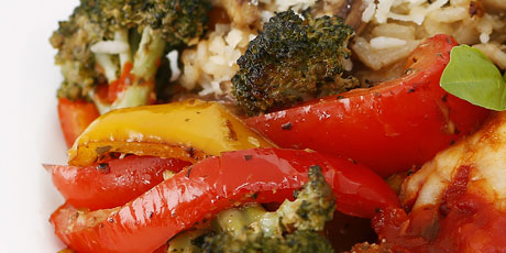 Amazing Pesto-Coated Broccoli and Red Pepper Toss