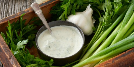 The Best Herb and Garlic Creamy Dressing