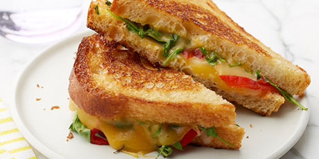 Smoked Gouda and Roasted Red Pepper Grilled Cheese